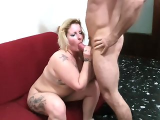 big ass amateur blowjob