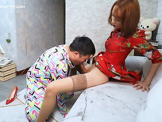 blowjob (shemale) big cock (shemale) small tits (shemale)