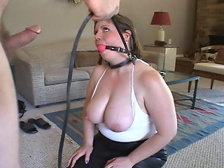 tit desperate mom