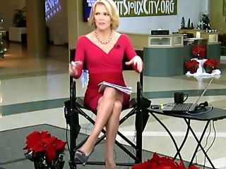 kelly megyn showing